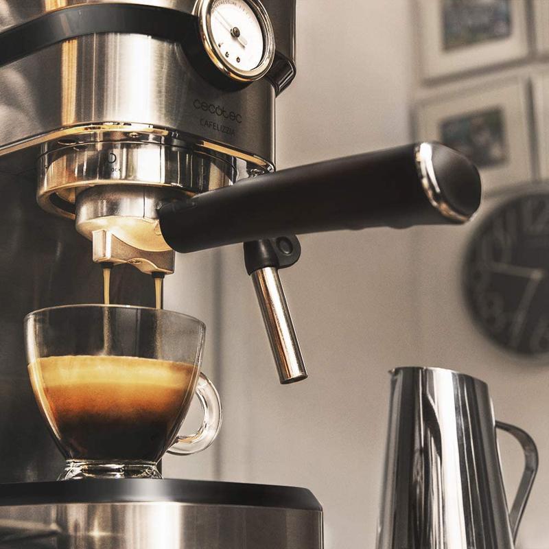 Imagen de Cecotec Cafetera Express Cafelizzia 790 Pro número 1